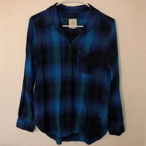 American Eagle Plaid Button Down Shirt Size Medium